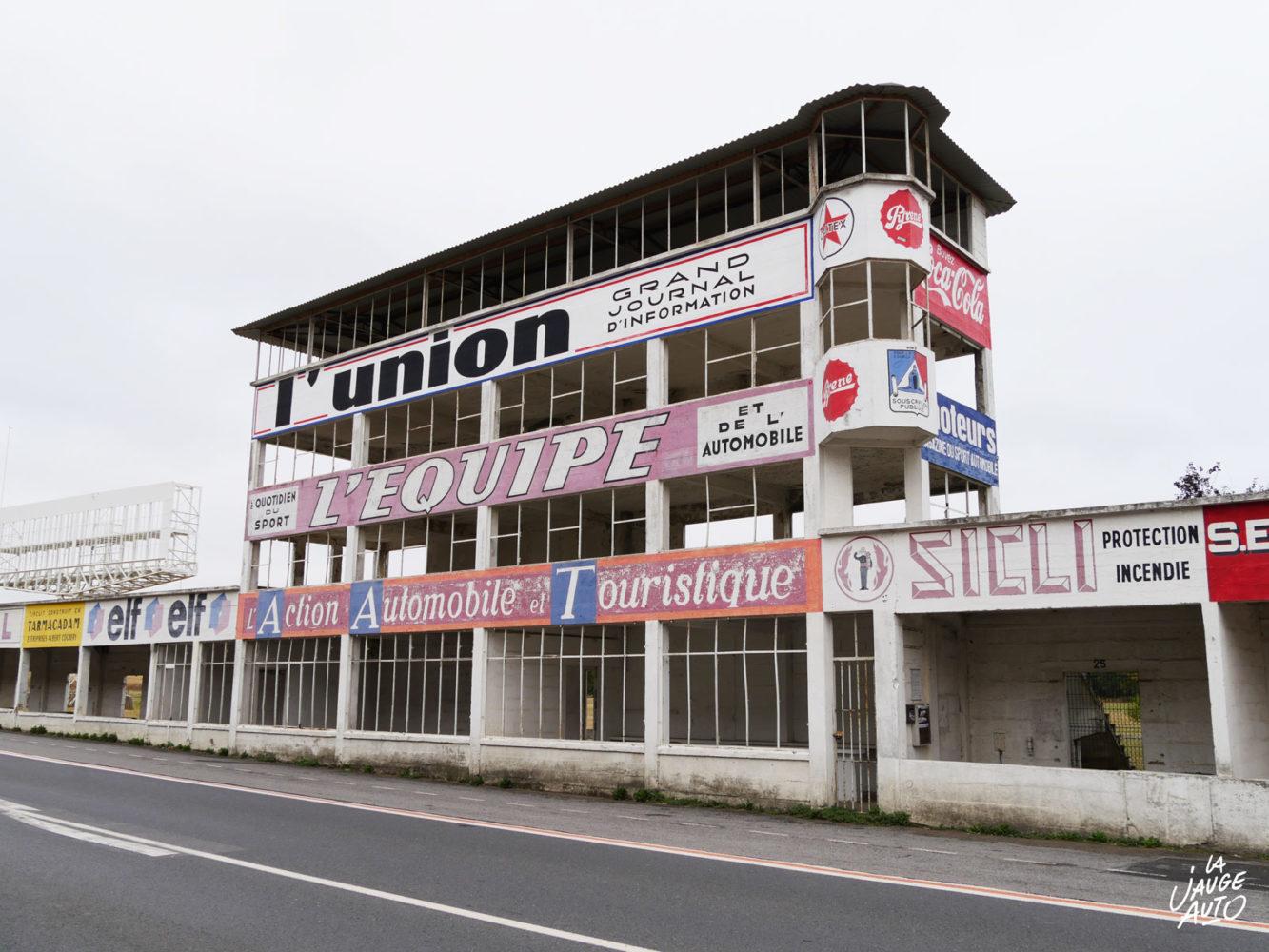 Tribunes et stands - Circuit Reims-Gueux - La Jauge Auto